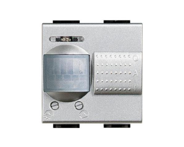 Interruttore IR passivi 500W – uscita a rele 6A res /2A ind – 230 Vac – selettore O-A-I – Tech – BTicino